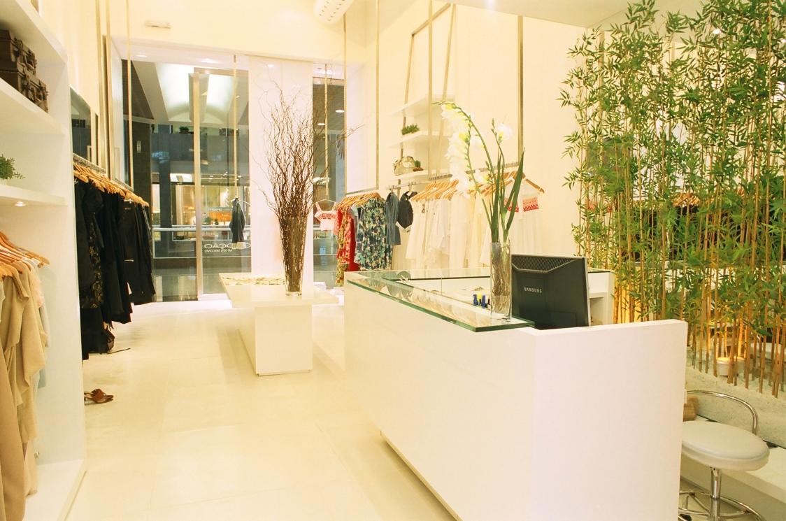 Ana Lúcia JucáCholet Store